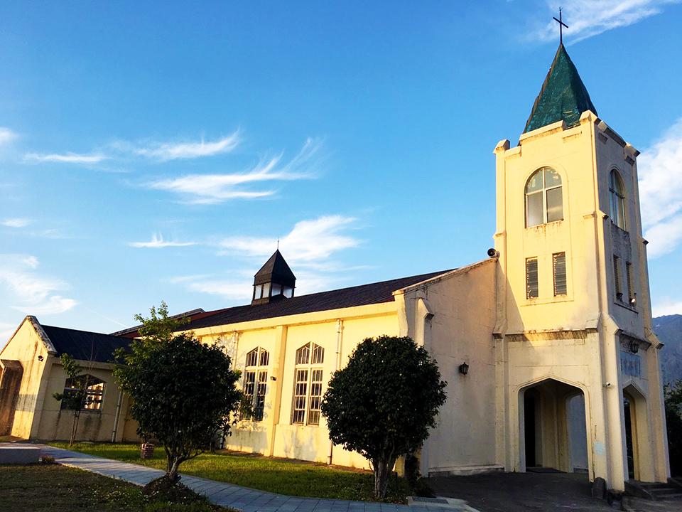 耶蘇堂是棟哥德式建築教堂